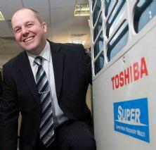 генерален директор на Toshiba David Dunn
